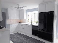 Keidel designed contemporary kitchen | Keidel Supply | #kitchen #design #whitekitchen #contemporarykitchen