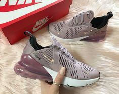 Swarovski Bling Nike Air Max 270 Shoes in Clear Silver Nike Cortez Shoes, Nike Air Shoes, Black Nike Shoes, Nike Shoes Outlet, Air Force 1, Nike Air Force, Nike Air Max, Casual Sneakers, Sneakers Fashion