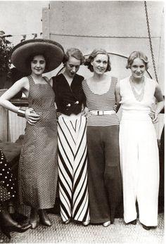 1930s fashion sleeveless shirt and baggy pants