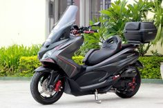 Yamaha Nmax, Scooter Custom, Big Boyz, Scooter Motorcycle, Xmax, Motor Scooters, Cars And Motorcycles, Motorbikes, Honda