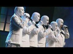 """Voca People : THE medley à Montreux ~~ D'Era à Madonna, de Bach aux Spice Girls, en passant par Glen Miller, Elvis, les Beach Boys, Michael Jackson, Eurythmics, Nirvana, Britney Spears et plein d'autres. Mais aussi des hits comme """"Who Let the Dogs Out?"""", """"Everybody Dance Now"""" et """"I Like To Move It"""". (Montreux, 2010) Crédits : © 2010 -- Montreux Comedy Festival"""