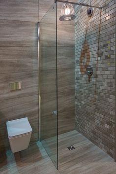 Nendo shower with brick mosaic tiles bathrooms remodel. Bathroom Remodel Tile, Vintage Toilet, Mosaic Bathroom Tile, Remodel, New Toilet, Cottage Renovation, Bathroom Interior, Natural Stone Tile Bathroom, Bathrooms Remodel