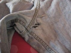 iron on interfacing first ! Adventures in Dressmaking: Essential blue jean mending method--Tutorial! Sewing Hacks, Sewing Tutorials, Sewing Projects, Sewing Patterns, Sewing Tips, Sewing Crafts, Diy Crafts, Torn Jeans, Patched Jeans