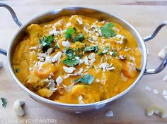 Korma is a delicious mild curry and is one of the most popular Indian curry. With its roots in Mughlai cuisine (the cooking style used between Delhi and Punjab) today's Korma is a real hit in Indian. Curry Recipes, Veggie Recipes, Indian Food Recipes, Whole Food Recipes, Vegetarian Recipes, Cooking Recipes, Healthy Recipes, Ethnic Recipes, Indian Curry Vegetarian