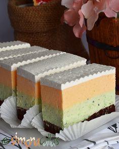 Prajitura Trio Fresh cu banane mandarine kiwi si ciocolata Kiwi, Biscotti, Vanilla Cake, Mousse, Fresh, Desserts, Food, Tailgate Desserts, Deserts
