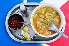 Nice rundown of some Burmese noodle dishes
