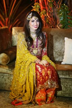 Blogger, Fashionista and Ok! Pakistan's Fashion and Beauty Editor, Alyzeh Rahim Shirazi, is resplendent in a Tena Durrani ensemble for her Valima. Read all about her special day on her stylish blog, BeautyFruityBlurbs.