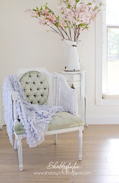 shabbyfufu.com-pale-blue-ruffled-throw.jpg 622 ×960 pixel