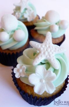 beach themed wedding cupcakes