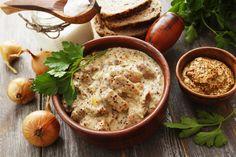 Szaftos, mustáros sertésragu: igazi téli fogás Cheeseburger Chowder, Hummus, Poultry, Creme, Pork, Meals, Ethnic Recipes, Calvados, Pan Dulce