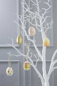 déco de Pâques : arbre avec oeufs