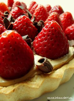Strawberry Caramel Cream Pie
