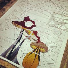Sea Glass art Videos Clothes Line - - Glass art Fused Flowers - Easy Broken Glass art Videos - - Stained Glass art Videos Beach Stained Glass Studio, Modern Stained Glass, Stained Glass Flowers, Stained Glass Panels, Stained Glass Art, Stained Glass Patterns Free, Stained Glass Designs, Stained Glass Projects, Broken Glass Art