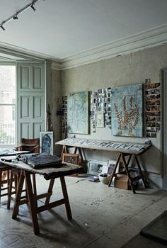 Required Reading: An Artist Couple's Hauntingly Beautiful Quarters, Courtesy of Perfect English Townhouse (Remodelista: Sourcebook for the Considered Home) Scandinavian Loft, Scandinavian Apartment, Victorian Townhouse, Artist Loft, Townhouse Designs, New York Loft, Perfect English, Dining Table, Interior Design
