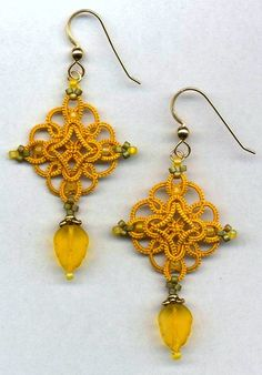 Tatted earrings ~ great color  design.