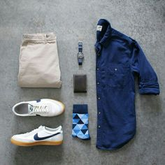 Outfit Inspiration Indigo Blue Linen Shirt, Neutral Chinos, White J. Stylish Mens Outfits, Casual Outfits, Men Casual, Fashion Outfits, Gq Fashion, Casual Wear, Outfit Grid, Men's Wardrobe, Mens Fashion Suits