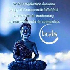 Imágenes Zen con Frases de Equilibrio Emocional y Reflexión Spiritual Words, Spiritual Messages, Buddhist Wisdom, Buddhism, Zen, Yoga Thoughts, Frases Bts, Serious Quotes, Good Sentences