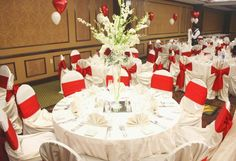Red & White Wedding Table Ideas