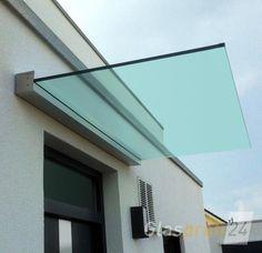 Vordach Dura mit eckigem Profil und Klarglas für eine helle und transparente Optik Door Canopy Modern, Over Door Canopy, Porch Canopy, Canopy Outdoor, Villa Design, House Design, Screened Porch Designs, Backyard Patio Designs, Marquise