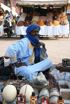 Marrakech vendor - Maroc Désert Expérience tours http://www.marocdesertexperience.com