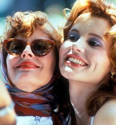 """2 very good BADGIRLS! (Susan Sarandon and Gina Davis) """"Thelma and Louise"""", 1991"""