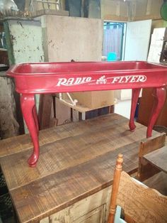 Radio Flyer coffee table- perfect for kids area! Diy Garden Furniture, Repurposed Furniture, Furniture Projects, Kids Furniture, Furniture Making, Furniture Makeover, Home Projects, Furniture Online, Craft Projects