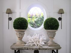 Cool vignette around oval window