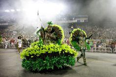 Veja fotos da Mancha Verde no Desfile das Campeãs de SP Samba, Folk, Schools, Cities, Stains, Popular, Fork, People