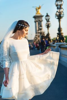 vintage bride in Paris - paris wedding photography - My Dream Intimate Wedding In Paris