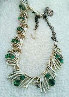 Lisner Green Emerald Rhinestone Necklace Vintage Adjustable Gold Tone Choker #Lisner #Choker