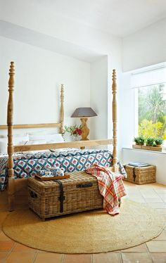 Canopy bed + bench