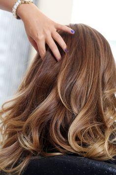Hair color caramel blonde, blonde balayage, hair looks, braided hairsty Ombré Hair, New Hair, Curls Hair, Big Curls, Hair Dye, Diy Hairstyles, Pretty Hairstyles, Brown Hairstyles, Easy Hairstyle