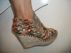 Crochet Sandals, Crochet Boots, Crochet Slippers, Crochet Bikini, Knitting Accessories, Fashion Accessories, Crochet Bag Tutorials, Cute Shoes Heels, Crochet Slipper Pattern