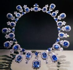 Hall Sapphire and Diamond Necklace on display at Smithsonian's NMNH