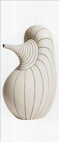 Pınar Baklan Önal, Focus: Vessel in Ceramics and Porcelain, 2016 Ceramic Pots, Porcelain Ceramics, Ceramic Pottery, Pottery Art, Sculpture Art, Sculptures, Pottery Handbuilding, Textile Fiber Art, Organic Shapes