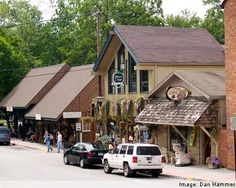 Nashville, Indiana in Brown County--Artist colony, unique little shops, great places to eat
