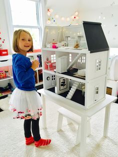 Dollhouse Reno : Melissa and Doug repaint and remodel