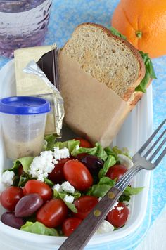 Healthy {Packed} Lunches...an easy guide to packing balanced healthy lunches for work or school.