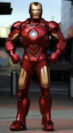 Guys builds an Iron Man suit from Cardboard and Fiberglass!