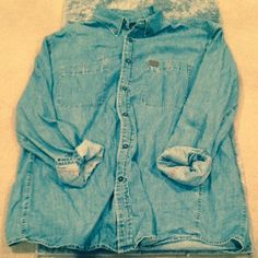 Jean Jacket  HP - Weekend Wear Party 04/19/15  Never Used | Excellent Condition | Long Sleeve | Lightweight | Small to XLarge Could Fit Depending on How You Like the Fit | 2 Big Pockets on the Front | Trades | More  Upon Request | Feel Free to Ask Questions | Bundles are Welcomed❤️| Wrangler Jackets & Coats Jean Jackets