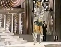 Un Liki Liki en Color Plata y Lentejuelas, fue el Traje Realizado para Consuelo Adler en el Miss International 1997..