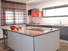 XY Cozinha Termolaminado Cinza, Branco e Vermelho ¨¨ XY Grey, White and Red HPL Kitchen ¨¨ XY Cuisine HPL Gris, Blanc et Rouge
