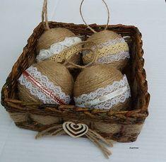 Arachnea / Vianočné gule v košíčku Grapevine Wreath, Wicker Baskets, Grape Vines, Wreaths, Home Decor, Decoration Home, Door Wreaths, Room Decor, Vineyard Vines