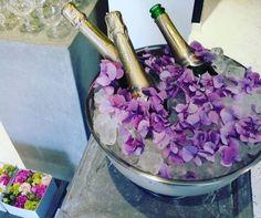 33361231_2129878613912275_43561233353277440_n Flower Studio, Party, Flowers, Wedding, Decorations, Casamento, Weddings, Receptions, Royal Icing Flowers