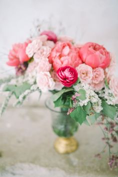 Arrange your favorite flowers: http://www.stylemepretty.com/living/2016/07/28/7-things-to-steal-from-this-bloggers-weekend-to-do-list/