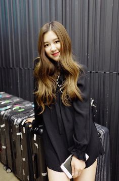 Roseanne Park, better known by the stage name Rosé, is a New Zealand singer currently based in South Korea. Rose Photos, Blackpink Photos, Pictures, Blackpink Fashion, Trendy Fashion, Foto Rose, 1 Rose, Rose Park, Kim Jisoo