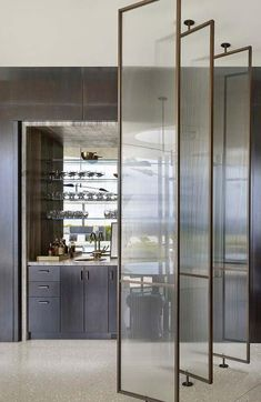 Room divider: 60 models of decoration and materials - Home Fashion Trend Showroom Interior Design, Hotel Room Design, Apartment Interior, Bathroom Interior, Interior Design Living Room, Partition Screen, Glass Partition, Screen Design, Wall Design