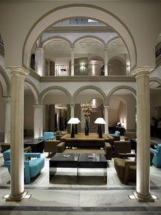 Hall Hotel Petit Palace Marqués Santa Ana. Sevilla