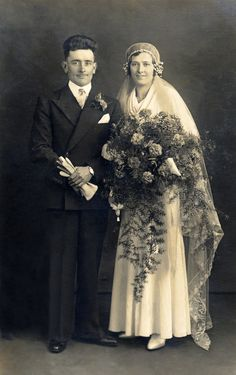 We found some new pins for your Beautiful Vintage Photographs board Vintage Wedding Photos, 1920s Wedding, Vintage Bridal, Vintage Weddings, 1920s Party, Vintage Tea, Dress Vintage, Wedding Couples, Wedding Bride