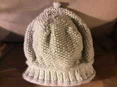 I like the way the slouchy seed stitch hat came out, but I think I'll try to make the next one a little smaller.